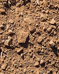¿Cómo se divide la roca en el suelo?