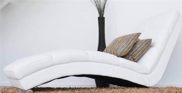 Cómo limpiar correctamente los cojines del sofá