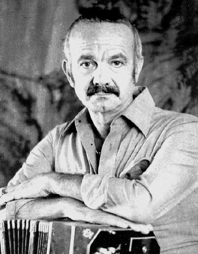 Astor Piazzolla Biography - Argentine Composer and Virtuosic Bandoneón Player
