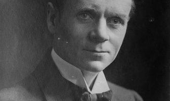 Biografía de Sir Norman Angell - Premio Nobel de la Paz en inglés