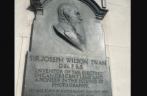 Joseph Swan (químico e inventor inglés)